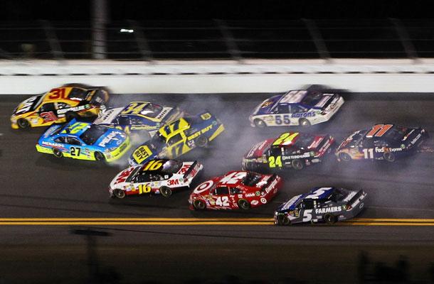 NASCAR Betting: 2015 CampingWorld.com 500 Picks