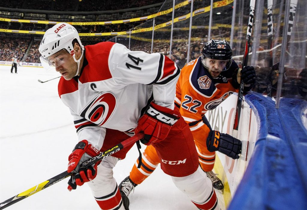 NHL Free Pick   Oilers at Hurricanes